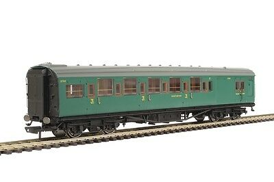 Hornby R4737 Maunsell Corridor 6 Compartment Brake 3rd Malachite Green - Aus Wty