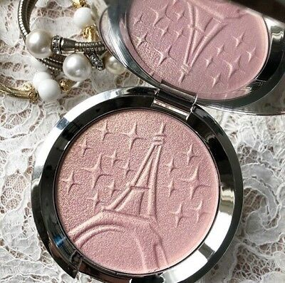 BECCA X Sananas - Parisian Lights Highlighter (LIMITED EDITION)