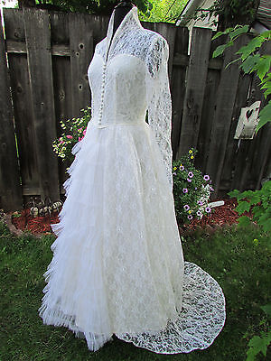 Vintage 50's Ivory Chantilly Lace Wedding Dress
