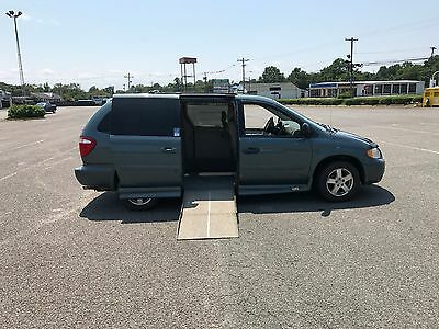 2006 Dodge Grand Caravan 3.8 VAN WHEELCHAIR HANDICAP ACCESS 2006 DODGE CARAVAN SXT  VMI SIDE ENTRY