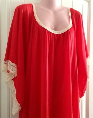 """Vtg Red Nylon Nightgown Full Length 156"""" Sweep Made in USA 2X 3X"""