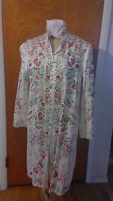 "Vintage ""Plum Blossoms"" Chinese White Silk Floral Embroidered Birds Coat Robe"