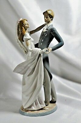 Large Lladro Bride and Groom Wedding Figurine #1528 - I Love You Truly MSRP-$960