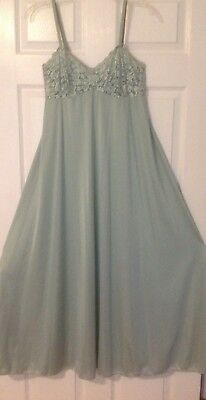 Olga Vintage Nightgown Size 38 L Lace Front, Light Green, Flowing Floor Length.
