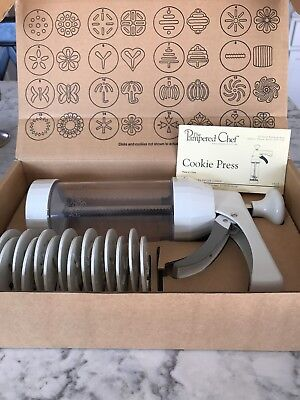 Pampered Chef Cookie Press #1525 With 16 Different Disk Designs Barely Used