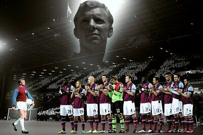 SALE WEST HAM UNITED BOBBY MOORE REMEMBRANCE PROFESSIONAL PHOTOGRAPH 12x8
