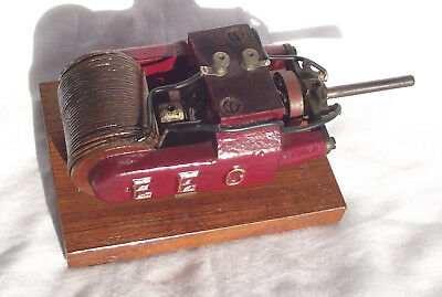 Antique early 20-century small (model) working electric motor by EEC