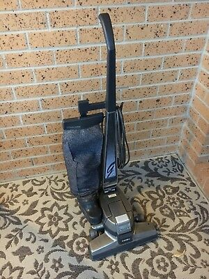 Kirby G4 Upright Vacuum Cleaner & Accessories