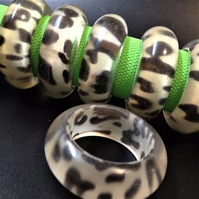 Vintage Set x 6 - Clear Epoxy Resin Napkin Rings Holders - Cloth Leopard Print