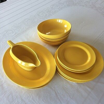 Homer Laughlin HARLEQUIN Set, Yellow, 15 Pieces