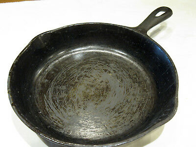 Vintage Cast Iron WAGNER WARE No. 5 8 Inch Skillet Made in USA N Double Spouts