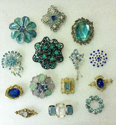 FANTASTIC LOT of 14 VINTAGE Mixed Blue RHINESTONE Studded BROOCHES Pins in EVC!