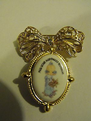 👧💐1999 PRECIOUS MOMENTS ORNATE BOW PIN, BROOCH w/CHANGEABLE DANGLE PENDANT!