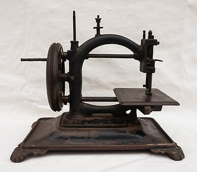 1867 Antiq. Mechanical Guhl Harbeck Sewing Machine National Express Chain Stitch
