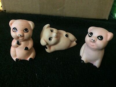 3 Happy Little Pigs Figurines Taiwan