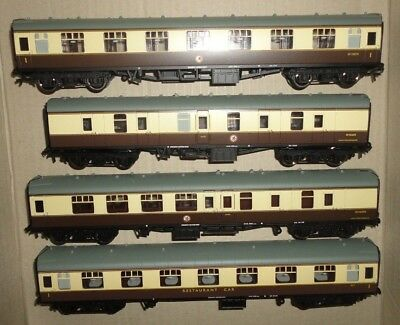 00 gauge 4 BR mark 1 carriages in WR colours by Bachmann