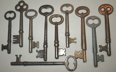 lot of 10 VINTAGE SKELETON KEYS LOCK DOOR ANTIQUE key MANY MORE KEYS LISTED
