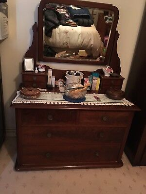1940's Vintage Dressing Table With Mirror