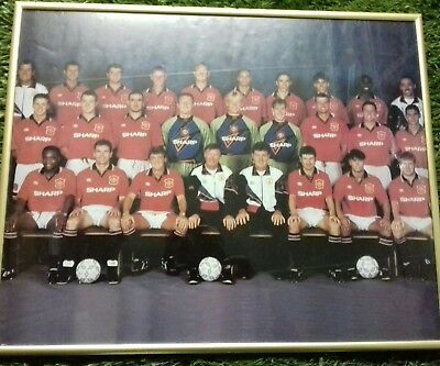MAN UTD FOOTBALL TEAM PHOTO 1990s inc Cantona