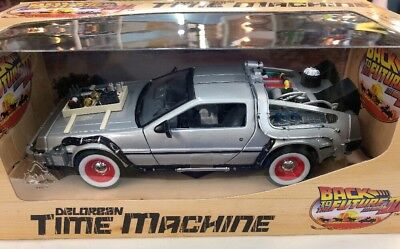 Back To The Future 3 Time Machine 1:24 Diecast Car