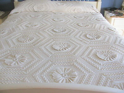 Antique Hand Crocheted Popcorn Sunflower Bedspread or Coverlet 84 x 104