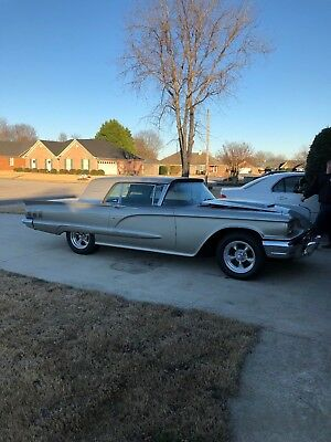 1960 Ford Thunderbird  1960 Ford Thunderbird