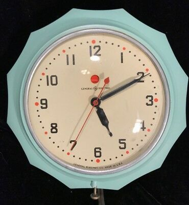 Vintage 1940s 50s Mint Green GE Red Dot Kitchen Wall Clock 2H02