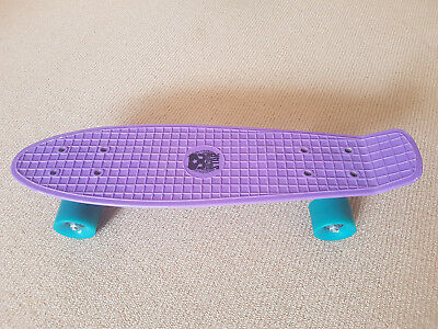 Penny Board excellent condition 22""