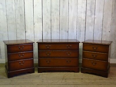 Pair of Mahogany Bedside Cabinets & Chest of Drawers
