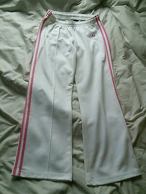 Great pair of womens fred perry bottoms...8/10