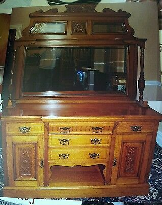 A large Victorian/Edwardian solid golden  oak mirror backed dresser.