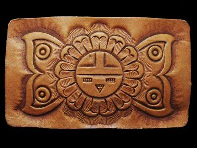 IE01170 VINTAGE 1970s HIPPIE STYLE ***FLORAL*** HAND CARVED LEATHER BUCKLE