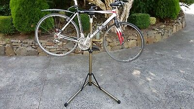 Bicycle Repair Work Stand