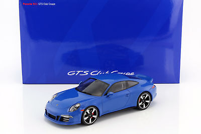 Porsche 911 (991) GTS CLUB COUPE Year of Construction 2015 Blue with Display