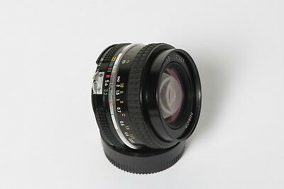 nikkor 20mm f/3.5 AI. En perfecto estado