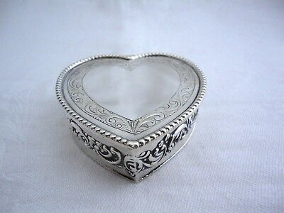 BEAUTIFUL HEART SHAPED SOLID SILVER TRINKET BOX, BIRM c1980 HAMPTON UTILITIES