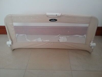 Babystart bed rail - colour natural - fold down - packs away for storage