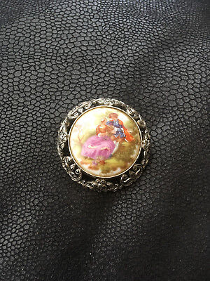 La Reine Limoges Porcelaine France Brooch