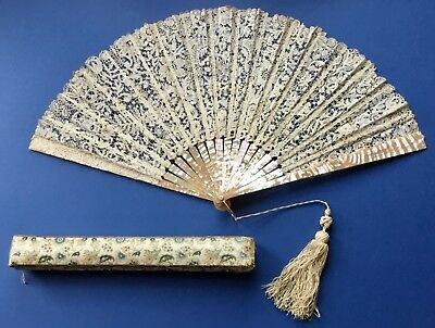 Lovely Antique Victorian Brussels Bobbin Lace Fan + Box. Mother Of Pearl Sticks