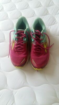 Brooks trainers size 6