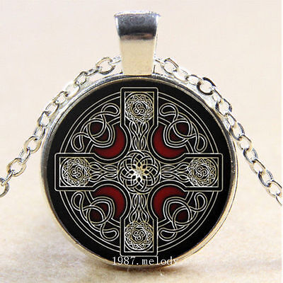 CELTIC CROSS MEDIEVAL GOTH Witch Star Glass Necklace Silver Gothic Magic Symbol