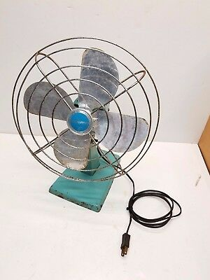 Vintage Bersted Mfg. Eskimo Model 101004 Turquoise Retro 4 Blade Oscillating Fan