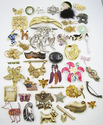 Lot 45 Vintage & Estate Costume Pins / Brooches