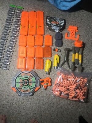 LOT NERF DART 13 GUN CLIPS, 2 CHAINS, 250 darts Tripods Accessories