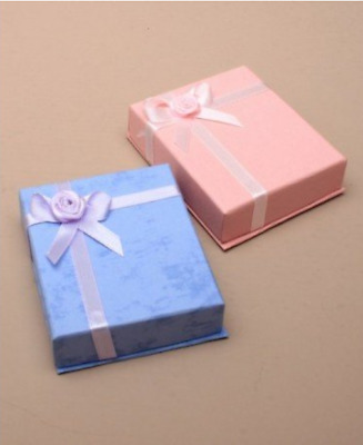 Jewellery gift box for necklace, earrings or brooch - beautiful presentation box
