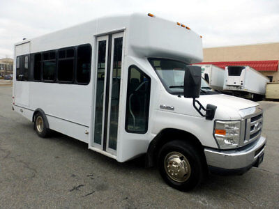 Non-CDL Shuttle 18k Miles Mint Condition 1 Owner Shuttle in Excellent Condition!