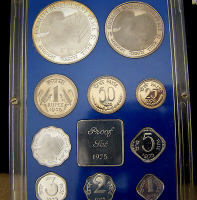India 1975 Proof Set Very Low Mintage Silver !!