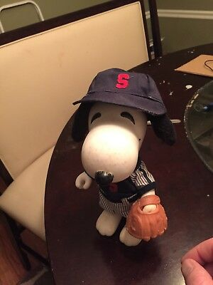 """SNOOPY United Feature Syndicate PEANUTS Baseball player DOLL 1966 vinyl 9"""""""