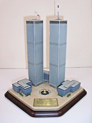 Complete   Danbury Mint    The Twin Towers Commemorative   Serial #b6698