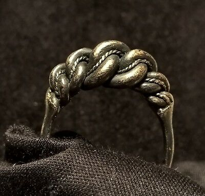 Ancient Medieval Solid Sliver Viking Knotted Ring 950 AD Excellent Condition!